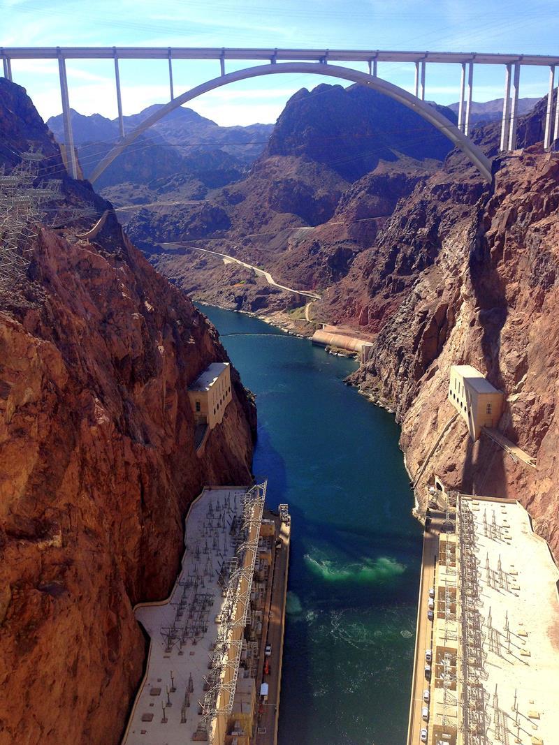 Blick auf den Colorado River vom Hoover Dam
