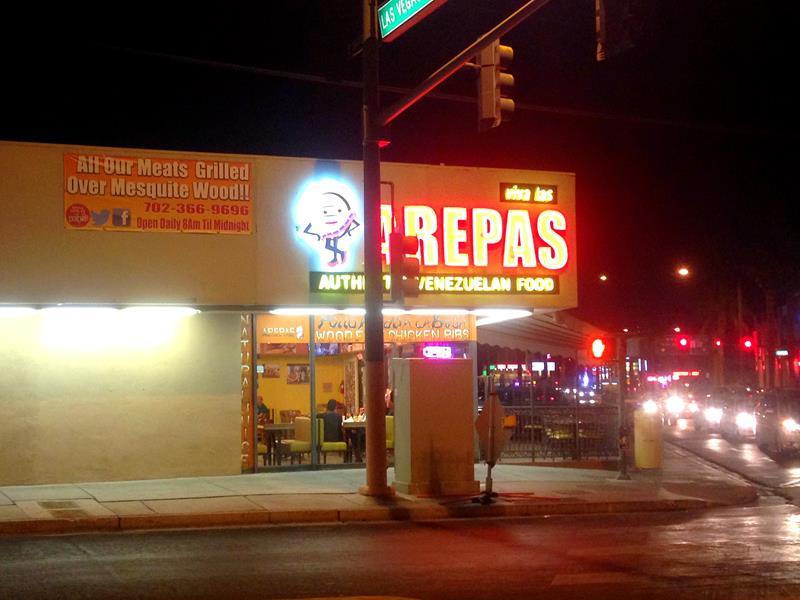 Die venezoelanische Fast-Food-Bude Las Arepas auf dem Strip nahe des Stratosphere Towers