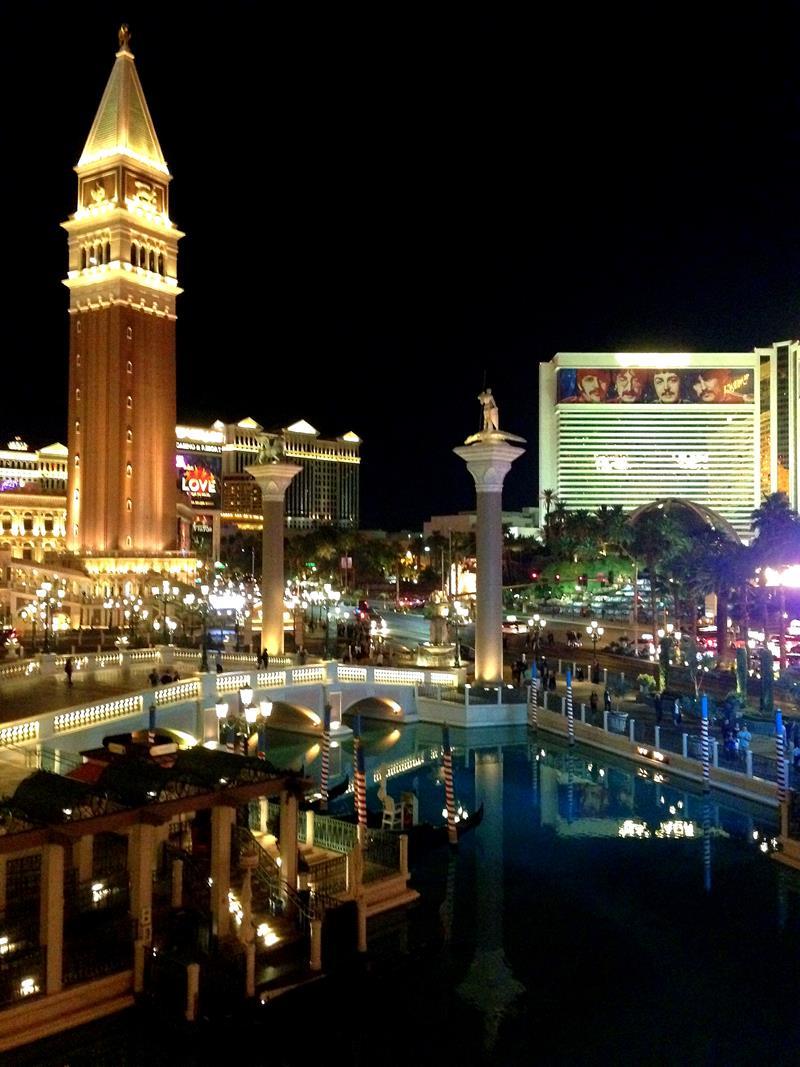 Blick auf den Las Vegas Boulevard vom Tao Nightclub im Venetian