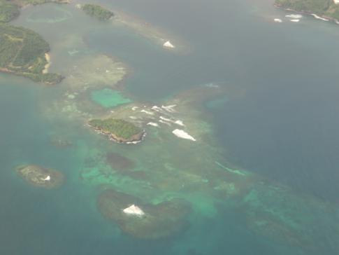 Blick auf Calivigny (Grenada) während eines Liat-Fluges nach Barbados