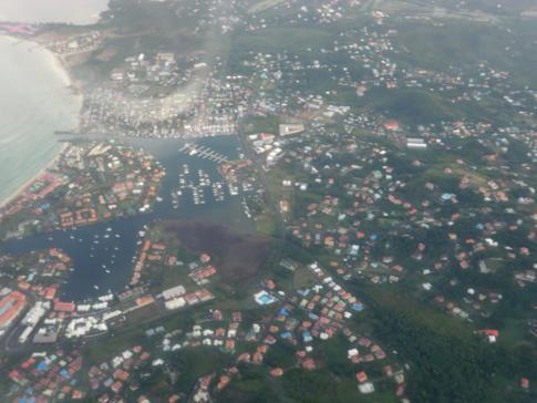 Die Rodney Bay in St. Lucia - gesehen während eines Liat-Flugs