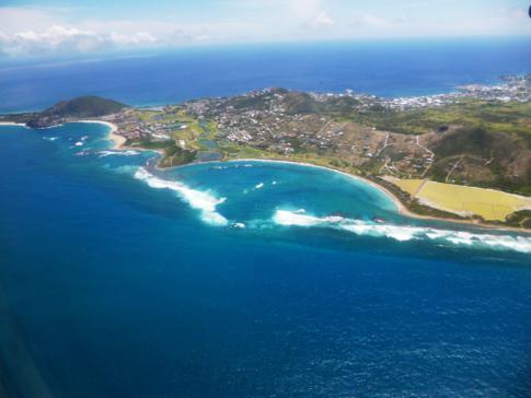 Tolle Panoramarunde mit Liat über St. Kitts, hier im Bild die Half Moon Bay