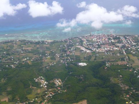 Blick auf Marie Galante, eine der kleinen Schwesterinseln von Guadeloupe