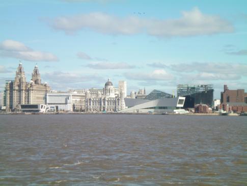 Blick auf die Skyline von Liverpool