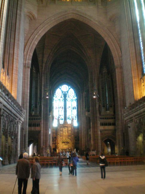 Innenansicht der Liverpool Anglican Cathedral
