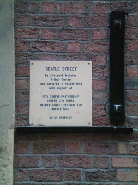 Beatles-Schild in der Mathew Street in Liverpool