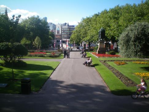 Der kleine, aber feine St. Johns Garden in Liverpool