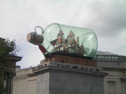 Das Nelson-Monument am Trafalgar Square in London