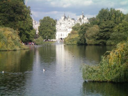 Blick vom St. James Park auf den Horse Guards Palace
