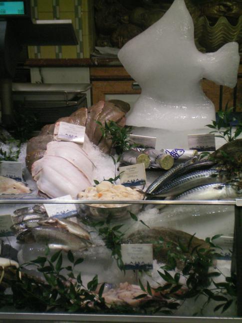 Die Supermarktabteilung im berühmtesten Kaufhaus von London - dem Harrods