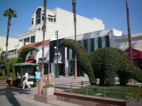 Die Third Street Promenade als Mittelpunkt von Santa Monica