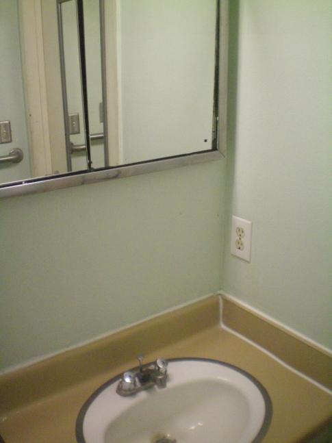 Badezimmer eines Mehrbettzimmers im Orbit Hostel and Hotel