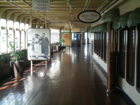 Rundgang auf der Queen Mary: hier ein Flanierdeck