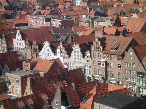 Aussicht vom Wasserturm auf die Altstadt in Lüneburg sowie den Platz Am Sande