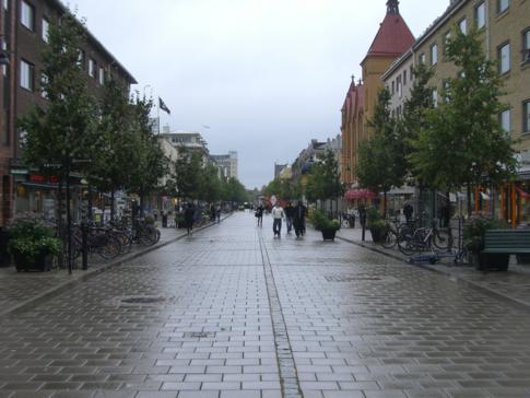 Die Fußgängerzone Storgatan in der Altstadt von Lulea