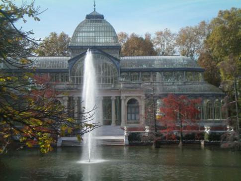 Die Fontäne und der Kristallpalast