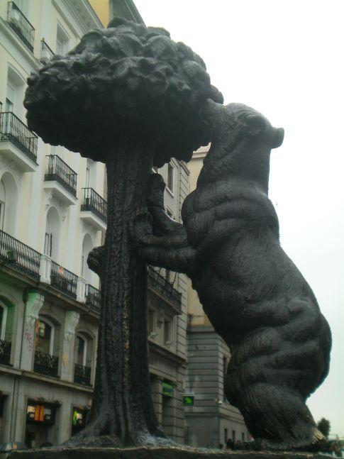 Der Bär am Erdbeerbaum an der Puerta del Sol