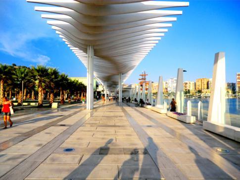 Der Paseo Espana in Malaga direkt am Hafen