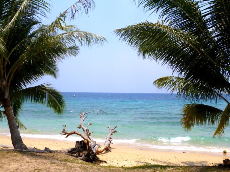 Strand in Air Batang auf Pulau Tioman
