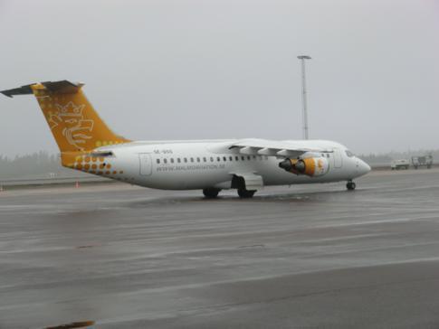 Ein Flugzeug von Malmö Aviation auf dem Airport Göteborg-Landvetter
