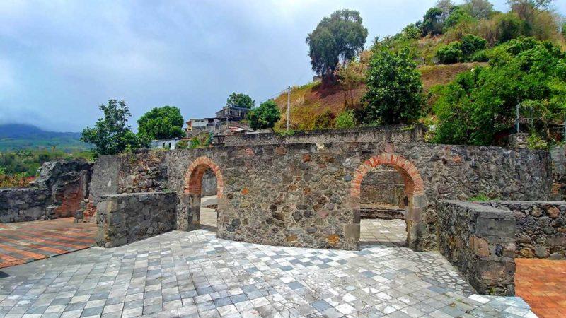 Die Ruinen von St. Pierre, Überbleibsel vom Vulkianausbruch des Montagne Pelée
