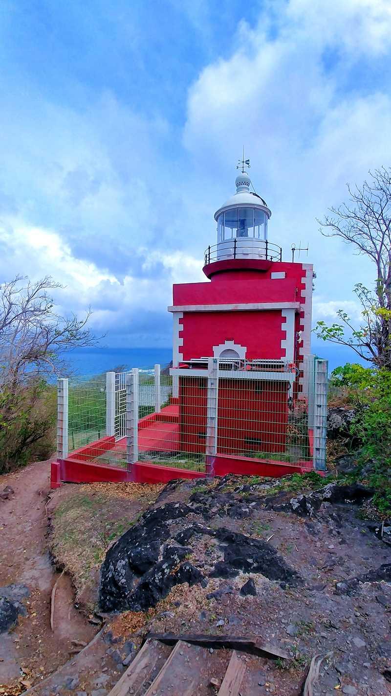 Wanderung zum Leuchtturm auf der Caravelle-Halbinsel