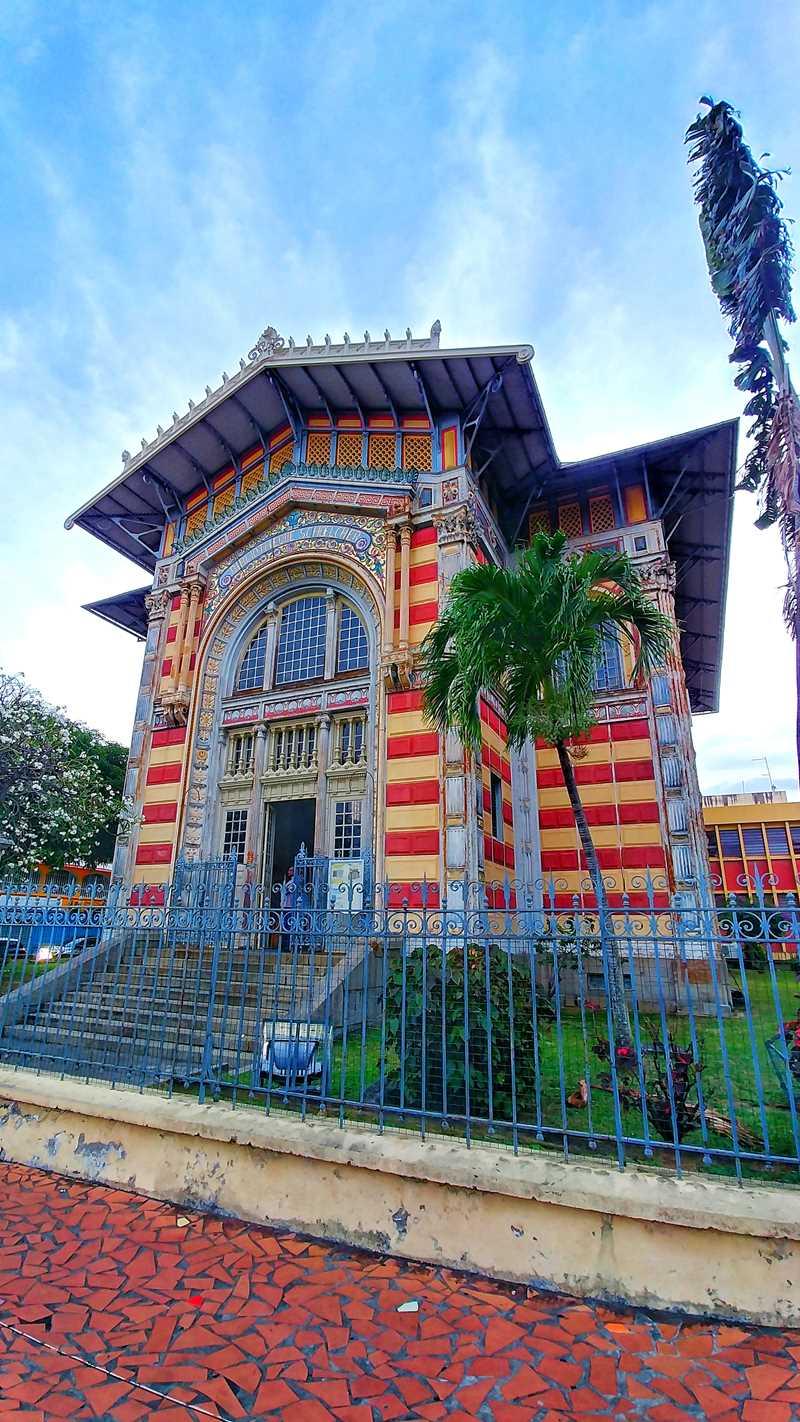 Die Bibliothek Scholcher in der Hauptstadt von Martinique, Fort-de-France