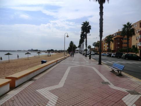 Der Playa de los Carabos in Melilla