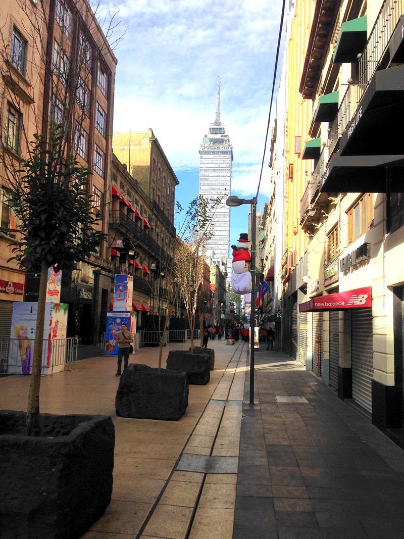 Die Fußgängerzone vom Kunstpalast zum Zocalo in Mexico City
