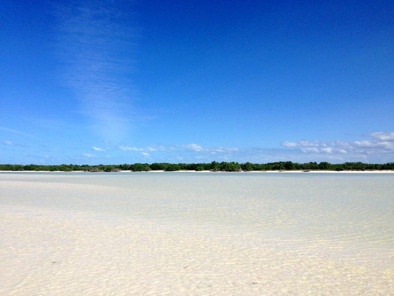 Die charakteristische und kilometerlange Sandbank vor der Isla Holbox