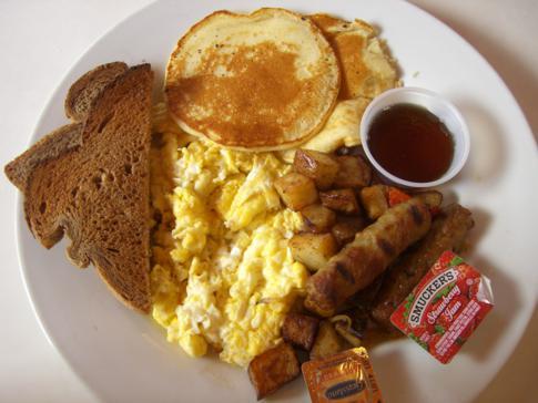 Leckeres englisch-amerikanisches Frühstück im Room Mate Waldorf Towers direkt am Ocean Drive