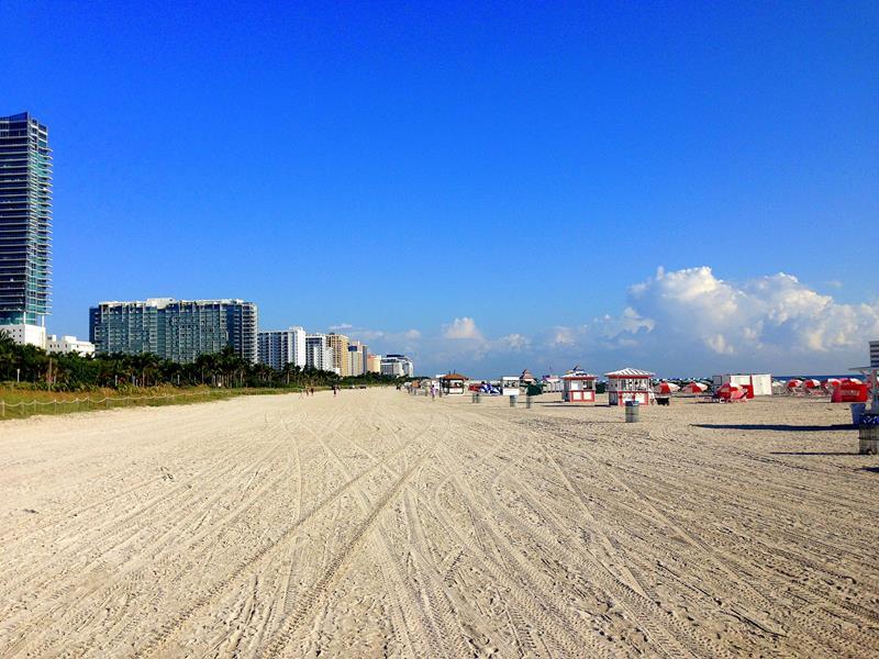 Der weite und breite Strand von Miami Beach