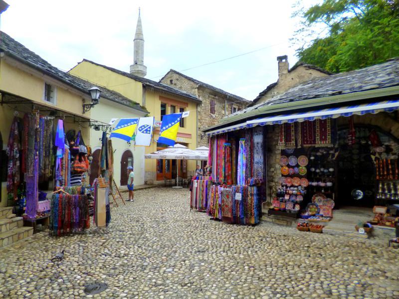 Die historische Altstadt von Mostar im Süden von Bosnien und Herzegowina