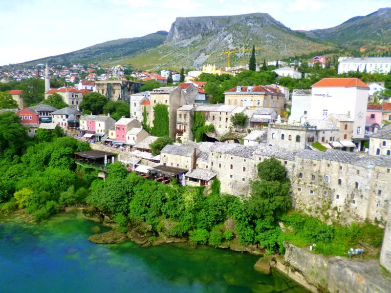 Blick von der Alten Brücke auf das wunderschöne Mostar