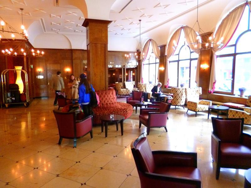 Die Lobby des Hotel PLatzl in München
