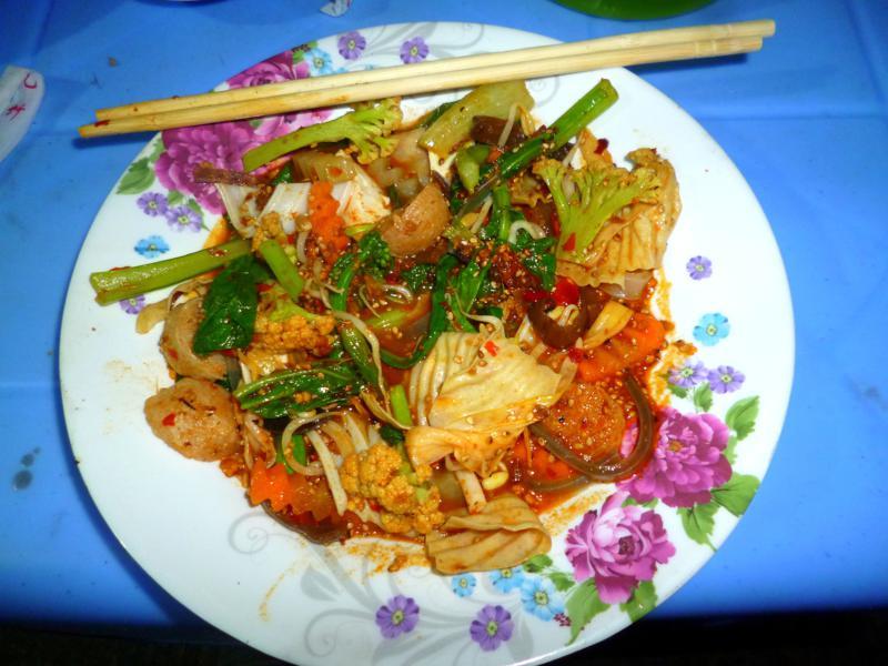 Unglaublich leckeres Streetfood in Kengtung im Osten von Myanmar