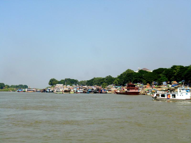 Der Ayeyarwady River in Mandalay, ein wichtiger Fluss in Myanmar