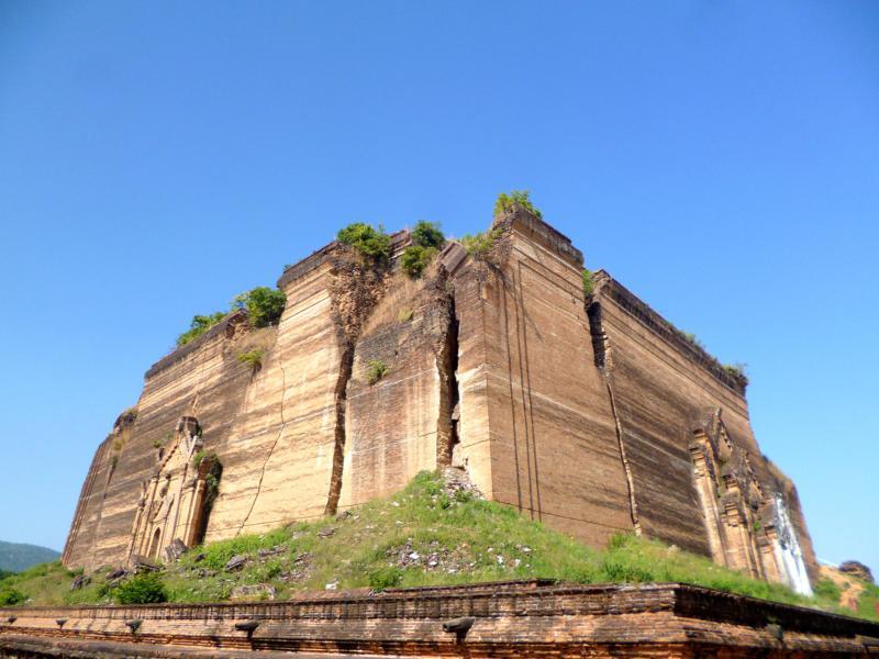 Die unvollendete Pagode in Mingun nahe Mandalay