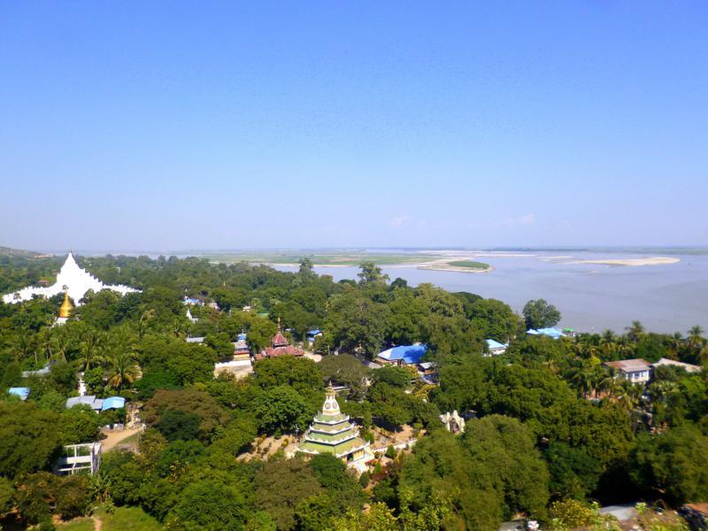Blick von der Mingun Pagode auf den Ayuyarwady River