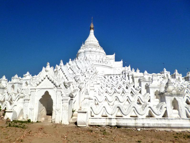 Die Hsinbuye Pagode in Mingun bei Mandalay