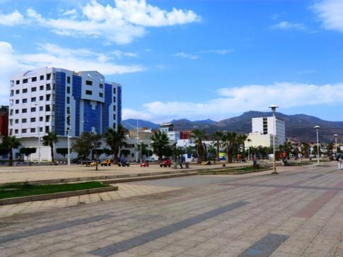 Vielleicht eine der schönsten Ecken der Stadt: die Promenade von Nador