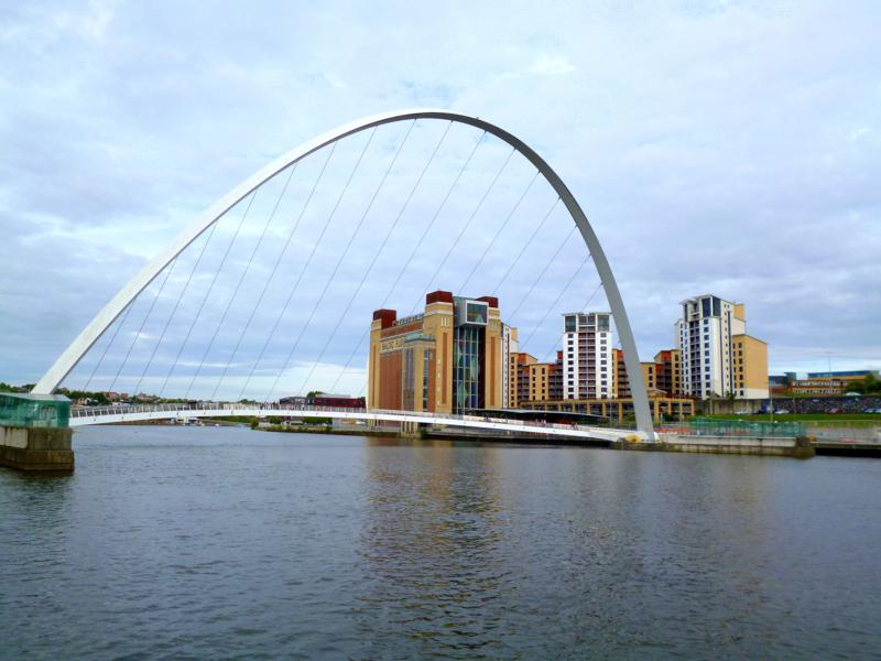 Die einzigartige Millenium Bridge in Newcastle