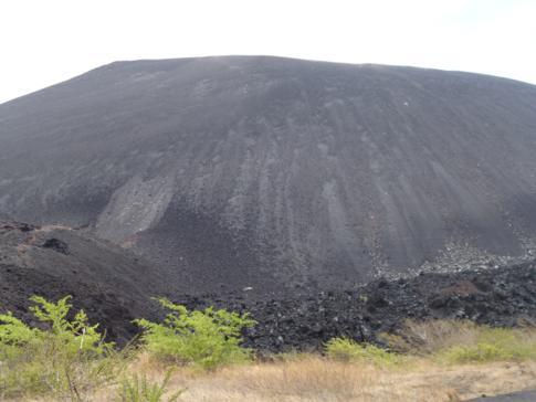 Der Cerro Negro, schwarzer Vulkan zum Volcano Boarding nahe Leon