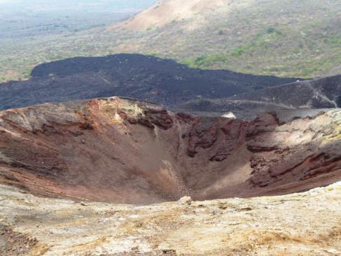 Krater des Cerro Negro in Nicaragua