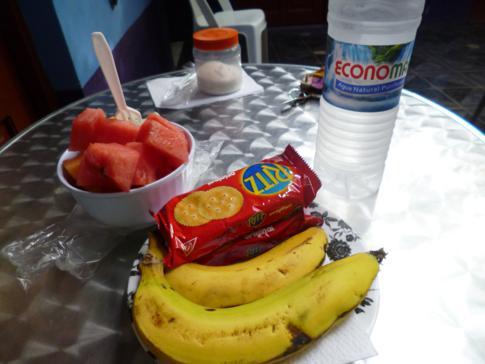 Das kostenlose Frühstück mit vielen Früchten im Nicaragua Guest House