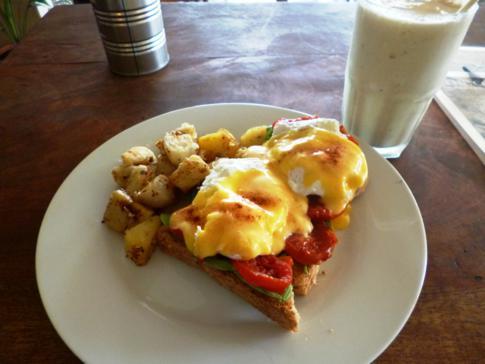 Leckeres Frühstück im Cornerhouse in Moyogalpa