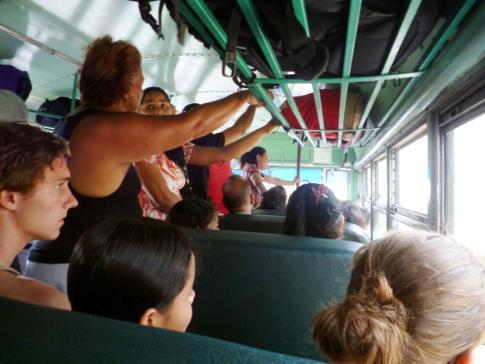 Chickenbus in Nicaragua auf dem Weg von Granada nach RIvas