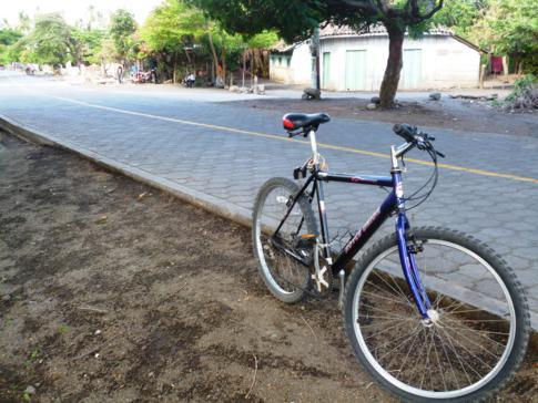Mein Mountainbike während der Fahrradtour über Ometepe Island