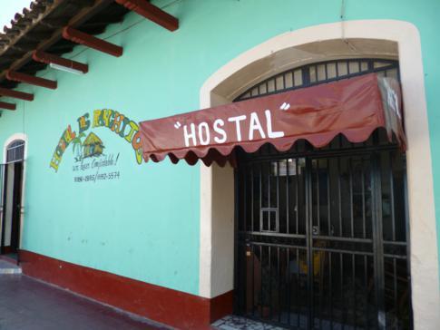 Außenansicht des Hostal Los Ranchitos in Granada, Nicaragua