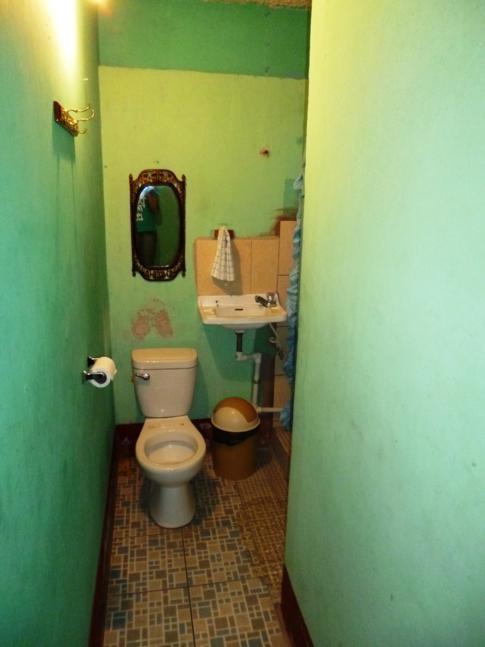 Gewöhnungsbedürftiges Einzelzimmer im Hostal Los Ranchitos in Granada